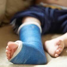 Pirmoji pagalba mažyliui: užspringus, nukritus, apsideginus ir pan.